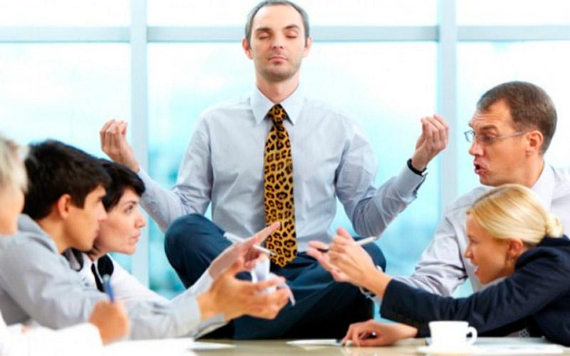 Как провести медитацию во время работы для занятых людей