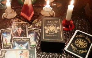 Какую колоду карт Таро выбрать для гадания
